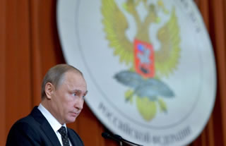 Vladimir Putin: Pro-Kremlin propaganda outfit out in the open in Berlin